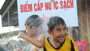 'Khát' nước sạch nghiêm trọng ở vùng tâm bão Hà Tĩnh