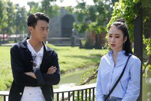 'Glee' tập 5: Rocker Nguyễn phản bội Phương Trinh, khoá môi Cindy V