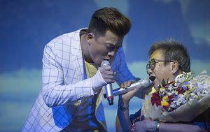 Khang Việt song ca cùng mẹ trong buổi ra mắt single mới