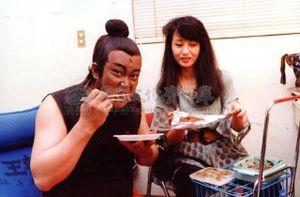 'Bao Công' Kim Siêu Quần viết di chúc cấm vợ cưới trai trẻ