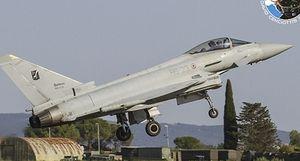 Máy bay chiến đấu Italia lao xuống biển, phi công tử nạn