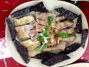 Huyết nếp vịt: Món ăn dân dã đặc sản miền Tây