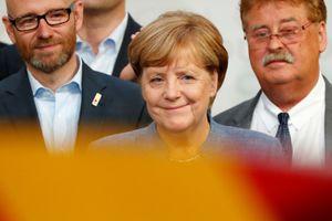 Merkel thắng nhiệm kỳ 4: Vị đắng tân phát xít