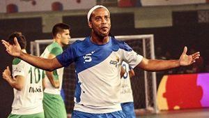 Những pha chơi futsal đỉnh cao của Ronaldinho