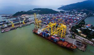Dày đặc cảng biển, khu kinh tế, tại sao miền Trung vẫn nghèo?