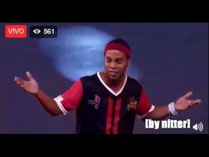 Những kỹ năng siêu đỉnh của Ronaldinho trên sân Futsal