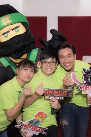 Cả nhà Cát Phượng hào hứng lồng tiếng cho siêu phẩm Lego Ninjago