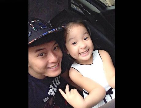 Gia dinh hanh phuc cua nam dien vien dien trai Hong Dang - Anh 9