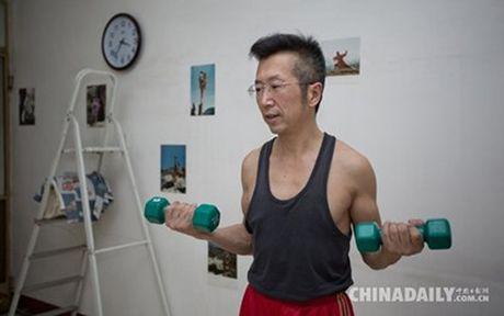 Gap nguoi dan ong ky la thich mac noi y dao pho - Anh 6