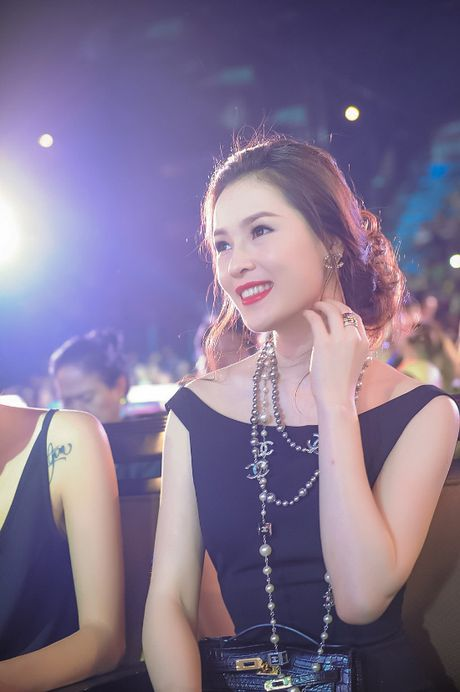 A hau trang suc Thai Nhu Ngoc khoe lung tran quyen ru - Anh 4