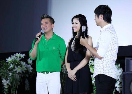 Dam Vinh Hung an dien banh bao ben con gai nuoi Ngoc Thanh Tam - Anh 14