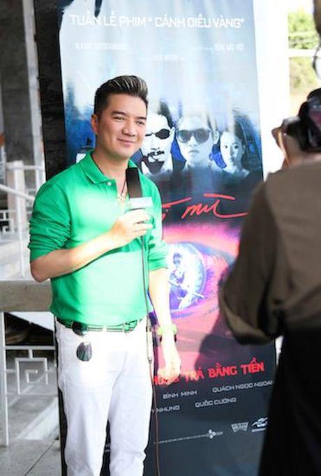 Dam Vinh Hung an dien banh bao ben con gai nuoi Ngoc Thanh Tam - Anh 4