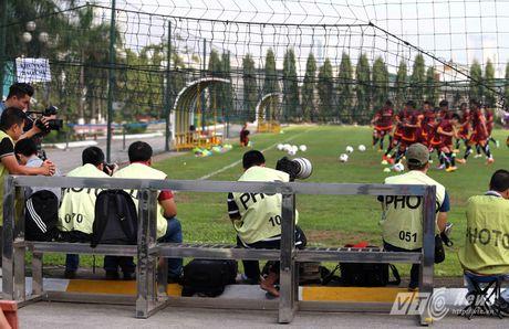 Khi nguoi dep yeu U23 Viet Nam chang kem U19 - Anh 11