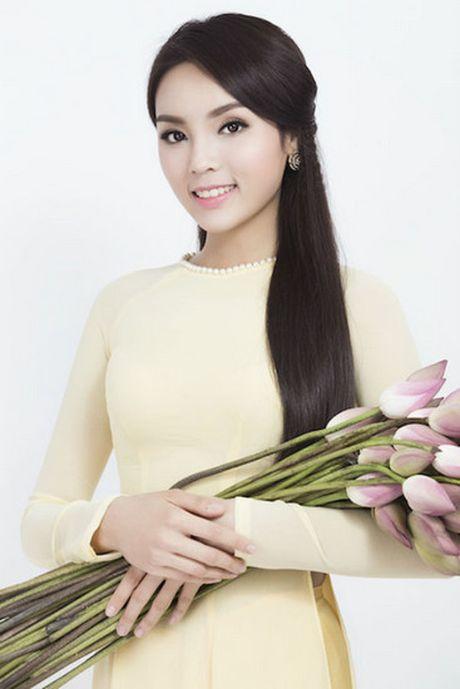 Hoa hau Ky Duyen mat di ve thon gon khi khong kiem soat duoc can nang - Anh 10