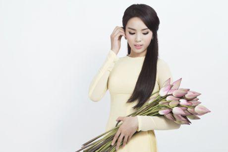 Hoa hau Ky Duyen mat di ve thon gon khi khong kiem soat duoc can nang - Anh 8