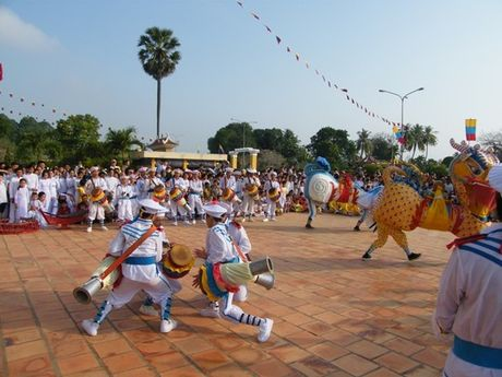 Giu lua dieu mua trong Xa-dam Tay Ninh - Anh 1