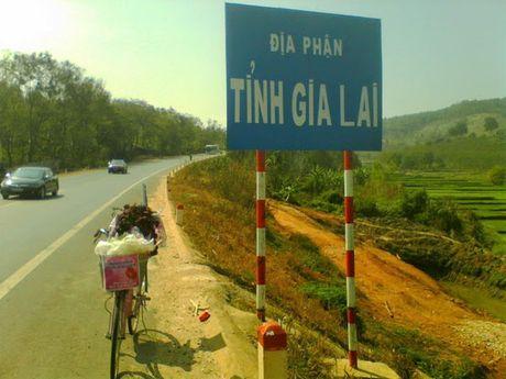 Dap xe 1.071 km tu Nam Dinh mang theo 99 doa hong vao tham nguoi yeu tai Gia Lai - Anh 5