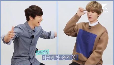 'Hoi xoay dap xoay' Donghae va Eunhyuk - Anh 4