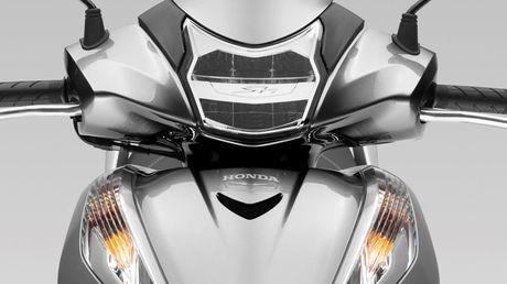 4 diem moi dang chu y tren Honda SH300i 2015 - Anh 1