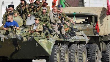 Ban tin 20H: NATO to Nga tiep tuc hau thuan cho ly khai Ukraine - Anh 1