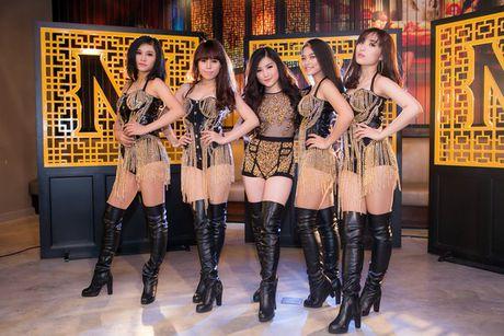 Chia tay nguoi yeu, Huong Tram sexy den kho cuong - Anh 5