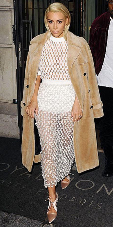 Style kho doan truoc cua Kim Kardashian tai Paris Fashion Week - Anh 2