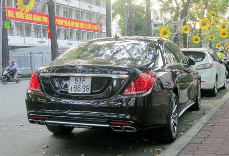 Xe sang Mercedes S63 bien dep, gia 9 ty o Sai Gon - Anh 3