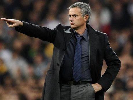 Mourinho gio chieu khich bac doi thu - Anh 1