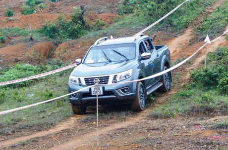Cam nhan ban dau kha nang van hanh cua Nissan Navara NP300 - Anh 2