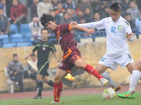 'Co lap' Cong Phuong tuc la chong lai HLV Miura - Anh 2