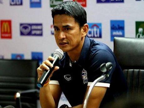 Chuyen dong bong da Viet ngay 11/3: Ngoc Hai chan thuong, Olympic Viet Nam vao TP.HCM - Anh 2