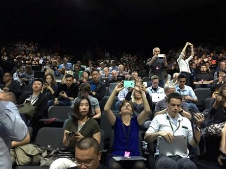 iPhone 6S va 6S Plus xuat hien, them phien ban mau hong - Anh 60
