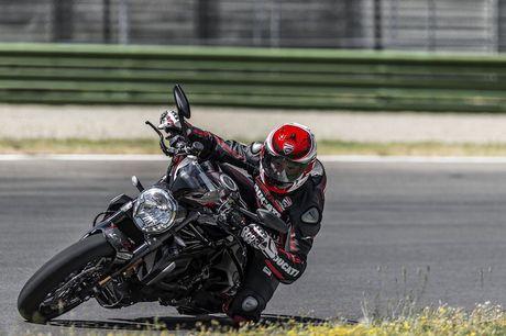 """""""Dien kien"""" Monster 1200R - naked bike manh nhat cua Ducati - Anh 11"""