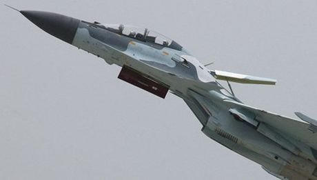 Tiem kich Su-30 cua Venezuela roi gan bien gioi Colombia - Anh 1