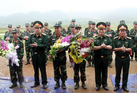 Ban trinh dien vu khi moi do Tong cuc Cong nghiep Quoc phong nghien cuu, che thu - Anh 3