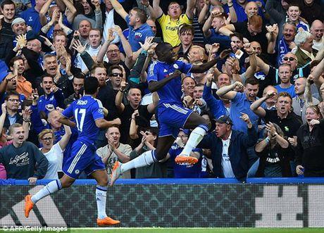 Nha vo dich Chelsea nhoc nhan danh bai 9 nguoi cua Arsenal - Anh 1
