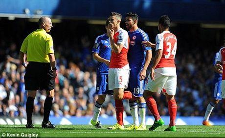 Nha vo dich Chelsea nhoc nhan danh bai 9 nguoi cua Arsenal - Anh 2
