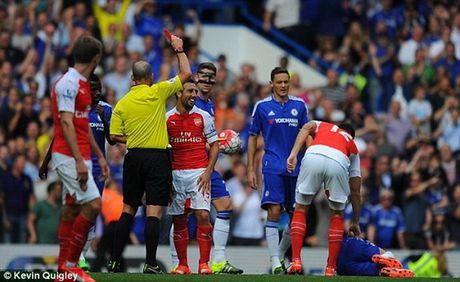 Nha vo dich Chelsea nhoc nhan danh bai 9 nguoi cua Arsenal - Anh 3