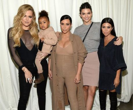 "8 ly do khien BST cua Kanye West cuc ""hot"" tai NYFW - Anh 4"