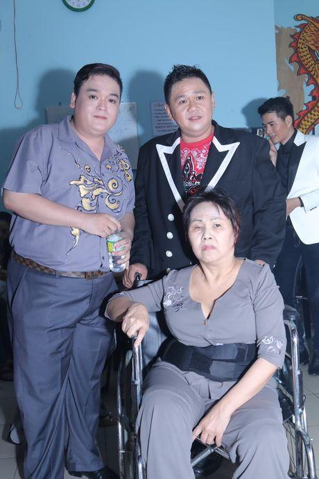 Minh Beo khoc nuc no ben nghe si Hoang Lan - Anh 1