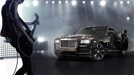 Xe sang Rolls-Royce dang nham nhe phan khuc xe chay dien - Anh 1