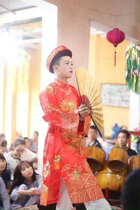 "Chan dung ""cau dong"" dien trai khien dan mang phat sot - Anh 12"