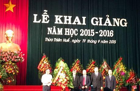 Truong Dai hoc Y Duoc Hue buoc vao nam hoc moi - Anh 1
