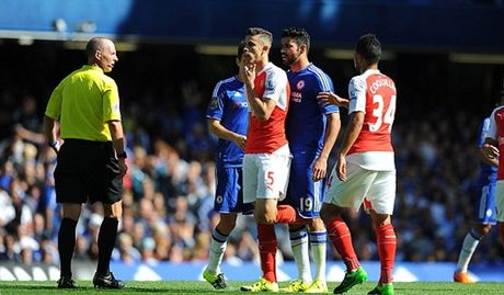 Chelsea 2-0 Arsenal: Tieu xao va the do nhan chim Arsenal - Anh 3