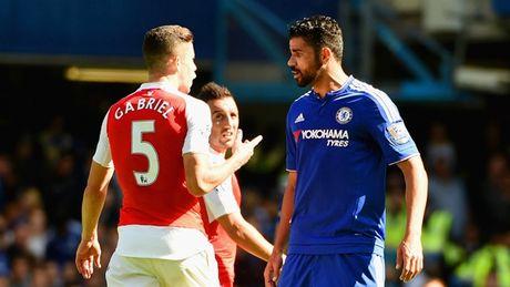 """Fan Arsenal tuc gian: """"Hay xich co thang Costa lai!"""" - Anh 2"""
