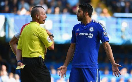 Nhung hinh anh kinh hai ve hanh vi bao luc cua 'ga do te' Diego Costa trong tran gap Arsenal - Anh 1