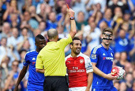 Chi con 9 nguoi, Arsenal nhan that bai tren san Chelsea - Anh 2