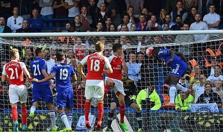 Chi con 9 nguoi, Arsenal nhan that bai tren san Chelsea - Anh 4