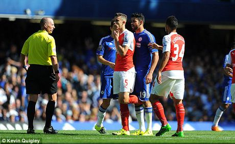 Truc tiep Chelsea vs Arsenal: Arsenal bi duoi 2 nguoi, thua am uc derby London - Anh 3