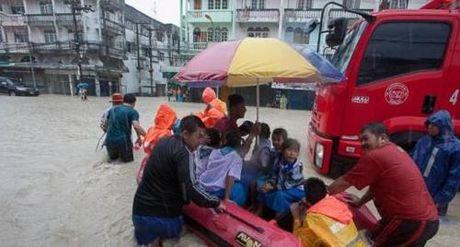 """Sau lu quet, Thai Lan tuyen bo Pattaya roi vao danh sach """"khu vuc tham hoa"""" - Anh 1"""